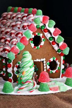 Gingerbread Dough, Gingerbread House Designs, Gingerbread House Parties, Gingerbread Decorations, Christmas Gingerbread House, Christmas Treats, Gingerbread Cookies, Christmas Fun, Christmas Cookies