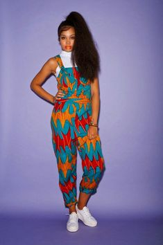 """ankara mode Prints are never going to go out of style and a great way to incorporate them into your wardrobe is to use African prints! Here are a bunch of ways to rock African fabric (also called """"ankara"""", """"ke African Fashion Ankara, African Inspired Fashion, African Print Fashion, Africa Fashion, Fashion Prints, Modern African Fashion, African Dresses For Women, African Attire, African Wear"""