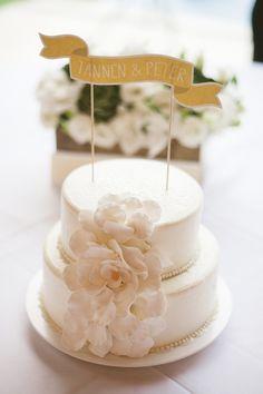 Simple and beautiful wedding cake for this Mexico destination wedding, photos by Jillian Mitchell Photography | junebugweddings.com