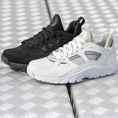 san francisco 7187d 48633 Instagram post by Embrace The Lifestyle • Aug 26, 2015 at 10 14am UTC.  Triple BlackNike Air HuaracheHuarachesTrainersSweatshirtSneakersTraining ...