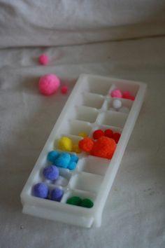 Tri des couleurs dans un bac à glacon