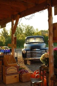 I love this vintage car at the farmer's market picture!