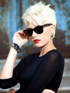 Chic Pixie Haircuts Trendy Ombre Hairstyle Women 30-Chic-Pixie-Haircu