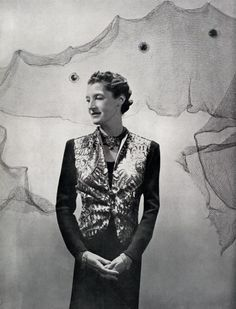 Daisy Fellowes, in 1937, wearing Schiaparelli and her 'Collier Hindou' (aka Tutti Frutti) necklace, in its original form, commissioned from Cartier in 1936. Photo: Cecil Beaton