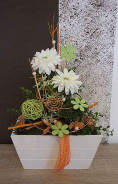 Tischdekoration, Tischgesteck, Gesteck, Sommer, weiß-apricot-grün