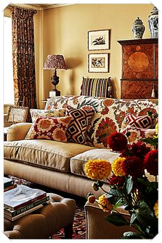 8 Appealing Cool Tricks: All Natural Home Decor Interior Design natural home decor inspiration color schemes.Natural Home Decor Rustic Bathroom Sinks natural home decor ideas.All Natural Home Decor Air Freshener. Home Living Room, Living Room Designs, Living Room Decor, Cosy Living Room Warm, Cozy Den, Indian Living Rooms, Decor Room, Living Area, Foyer Decorating