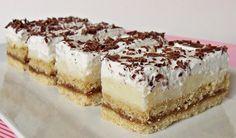 Nepečené zákusky jsou ty nej! BEBE sušenky v kombinaci s karamelovou a vanilkovou nádivkou jsou neodolatelné. Na vrchu vyšlehaného šlehačka posypaná strouhanou čokoládou. Mňamka!