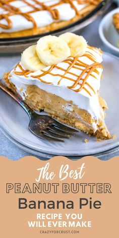 This No Bake Peanut Butter Banana Cream Pie is a fun twist on a classic pie. With graham cracker crust, fresh bananas, and peanut butter pudding this is a peanut butter pie with a banana cream pie twist! Easy Pie Recipes, Cream Pie Recipes, Best Dessert Recipes, Fun Desserts, Banana Pie Recipe, Banana Recipes, Homemade Graham Crackers, Baked Banana, Banana Cream