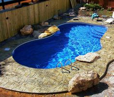 Aww hells yes, a garden ain't a garden til there's a SWIMMING POOL in it, :)
