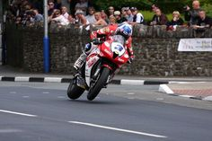 Keith Amor on his way to third in the opening Relentless Supersport race