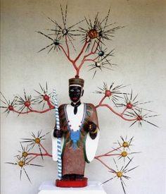 John Goba - Sierra Leone - LA BIENNALE DI MALINDI Sierra Leone, Christmas Ornaments, Holiday Decor, Home Decor, Decoration Home, Room Decor, Christmas Jewelry, Interior Design, Christmas Decorations