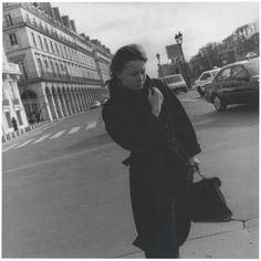 Passerby, Place de la Concorde - 1997  Louis Stettner