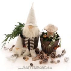 Weihnachtsdeko kleiner Wichtel als Kantenhocker