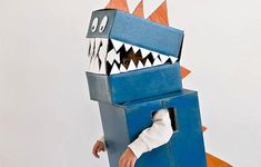 DIY Dinosaur Costume for Kids | An adorable dino costume for Halloween!