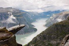 De beste uitkijkpunten in Fjord-Noorwegen Stavanger, Lonely Planet, Places Around The World, Around The Worlds, Beautiful World, Beautiful Places, Beautiful Norway, Amazing Places, Nature Landscape