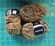 Vanna S Choice By Lion Brand Yarn New 3 5 Oz Skein Pea