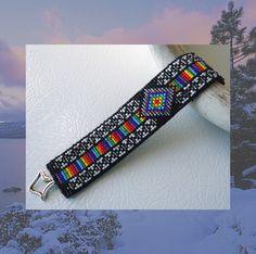 Help For loom patterns Bead Loom Designs, Beadwork Designs, Bead Loom Patterns, Peyote Patterns, Beading Patterns, Native Beadwork, Native American Beadwork, Bead Loom Bracelets, Beaded Bracelet Patterns