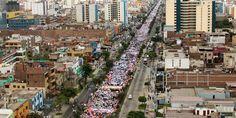 Aproximadamente 750.000 personas participaron el pasado sábado en la Marcha por la Vida en Lima, Perú. Católicos, congregados por el Arzobispado de Lima, y cristianos de diversas denominaciones, entre los que estaban jóvenes, madres embarazadas, familias con niños y bebés, ancianos y personas con discapacidad se sumaron al evento.