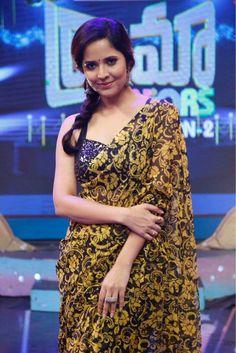 Anasuya in drama Beautiful Saree, Beautiful Women, Saree Wearing Styles, Glamour Ladies, Indian Beauty Saree, Indian Designer Wear, India Beauty, Girl Photography, Beautiful Actresses