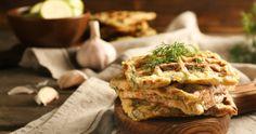Finom és tápláló sós reggeli, ami még egészséges is: ez a cukkinis gofri - Receptek | Sóbors Izu, Apple Pie, Desserts, Food, Tailgate Desserts, Deserts, Essen, Postres, Meals