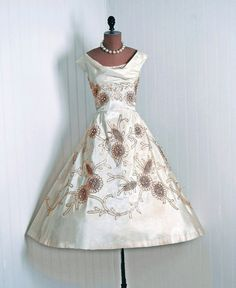5f8f12c5dd0 1950 s Ceil Chapman A-line Dress Robes Superbes
