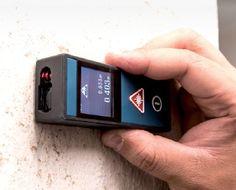 AWorkzone Lézeres Távolságmérő egy nagy mérési pontosságú (+/- 1,5 mm) eszköz, mely kiválóan alkalmas20 cm és 30 m közötti távolságok pontos és megbízható méréséhez. Könnyedén használható mégterületek, térfogatok és szakaszok kiszámításához is.