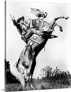 Roy Rogers signature farewell at the end of many of his movies With his golden Palameno Horse Trigger Cowboy Films, Vintage Cowgirl, Rodeo Queen, Tv Westerns, Roy Rogers, Friends Image, American Frontier, Horse Photography, Horse Love