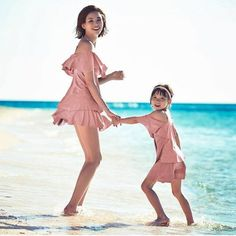 """Choo Sarang And Her Family Are All Smiles In Summery Photo Shoot By The Beach - """"The whole family is back for a photo shoot with sports brand STL, including Sarang's mom and professional model, Yano Shiho. There's even a surprise appearance by Sarang's cousin Yume, who caught the attention of viewers during her brief cameo on """"The Return of Superman."""""""""""