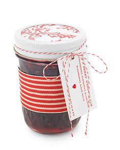 Jam Wedding Favor and Four-Berry Jam Labels How-To - Martha Stewart Weddings Favors