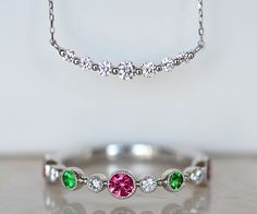 Platinum spinel garnet diamond ring diamond pendant necklace Pt900製プラチナピンクスピネルグリーンガーネットダイアモンドハーフエタニティリングダイアモンド三日月ペンダントネックレス