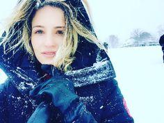 @DiannaAgron It's a snow day. #NOVITIATE ❄️
