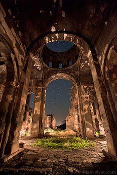 Armenia, photographer unknown created some really nice lighting.