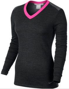 El suéter Nike Golf Color-Block para mujer reimagina una de las siluetas favoritas con un atrevido contraste de color y ofrece una sensación muy agradable con el suave punto de mezcla de lana