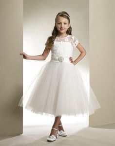 We simply adore this beautiful Macis Tea Length Communion Dress T1861, great for her special day or any other formal or special occasion.
