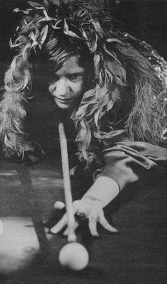 Janis Joplin playing pool