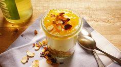 Zitronencrememit Lemon-Curd....langsam tastet ihr euch durch die Creme zum Knusperboden!