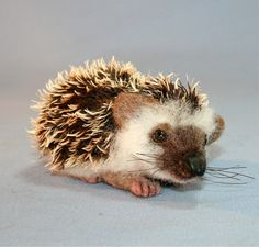 New OOAK Needle felted Spring Heddy Hedgehog Exotic  por SteviT