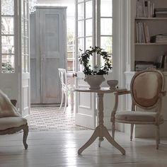 Gustavian and French antiques