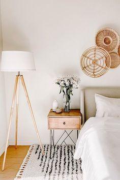 Wooden Bedroom, Boho Bedroom Decor, Boho Room, Boho Living Room, Room Ideas Bedroom, Home Bedroom, Modern Boho Master Bedroom, Bedroom Lamps, Living Room Lamps