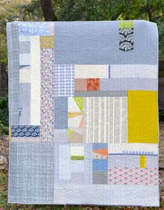 this is the back to my square burst quilt. my husband loves crazy backs, so this is my attempt at making him happy. it features several of my treasured hand screen printed fabrics from abroad. Quilting Projects, Quilting Designs, Sewing Projects, Quilting Tips, Scrappy Quilts, Baby Quilts, Backing A Quilt, Quilt Modernen, Contemporary Quilts