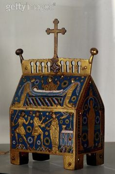Reliquary of Thomas Becket. Copper and enamel, 13th century.