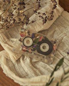 Art Hoe Aesthetic, Spring Aesthetic, Brown Aesthetic, Flower Aesthetic, Aesthetic Images, Aesthetic Backgrounds, Aesthetic Vintage, Aesthetic Iphone Wallpaper, Aesthetic Drawing