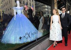 Stores Around the World Celebrate Cinderella with Beautiful Displays | Disney Style