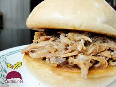 slow cooker pulled pork Slow Cooker Bbq, Pulled Pork, Ethnic Recipes, Food, Shredded Pork, Meal, Essen, Hoods, Meals