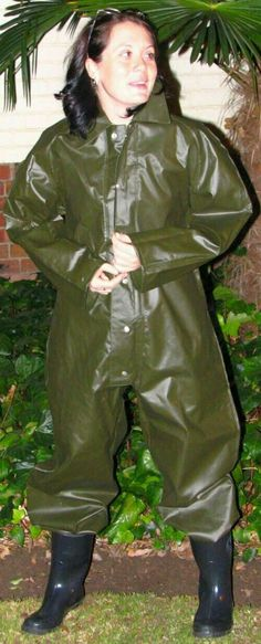 Heavy rubber rain wear