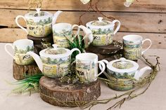Shannonbridge Pottery is a family-run business in County Offaly with a wide choice of quality handmade contemporary and traditional Irish gifts perfect for any occasion. Irish Pottery, Pottery Gifts, Novelty Mugs, Irish Traditions, Tea Cups, Craft, Creative Crafts, Do It Yourself, Diy Crafts