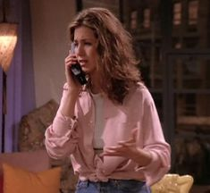 People watching in the '90s would have had no idea that Rachel was dressing like we do in 2017.