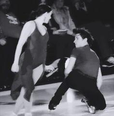 Dayum that look tho Virtue And Moir, Tessa Virtue Scott Moir, Ice Skating, Figure Skating, Tessa And Scott, Ice Dance, National Treasure, Olympics, Skate