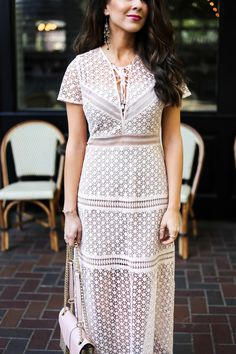 Lace Up Midi Dress Spring Dresses. Spring Dress. Wedding Guest Dress. What to wear to a wedding. Affordable dresses for wedding season. What to wear to graduation season. Wedding dress season. Wedding guest. Spring Fashion. Houston Blogger Naomi Trevino. Summer Dresses.