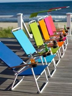 color and drinks by the sea